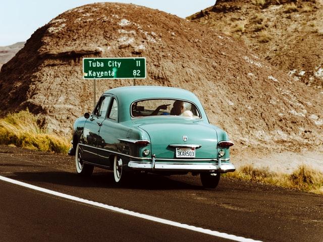 Driving Etiquette For Safer Road Travel